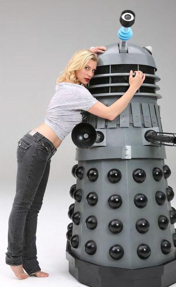 Katee Sackhoff and a Dalek. #DrWho #BSG