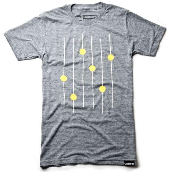 Ugmonk – Dot Dash Series  Ugmonk – le label du designer Jeff Sheldon qu'on ne présente plus – vient d'introduire un nouveau concept : les « Dot Dash Series ». Il s'agit de t-shirts aux visuels minimalistes et géométriques, un peu à la manière de ce que propose la marque Sans Form, dont nous venons de présenter la collection « Unequivocal Ambiguity »...  http://www.grafitee.fr/tee-shirt/ugmonk-dot-dash-series/  #lifestyle #fashion #graphic #Tshirts #concept #USA #Ugmonk