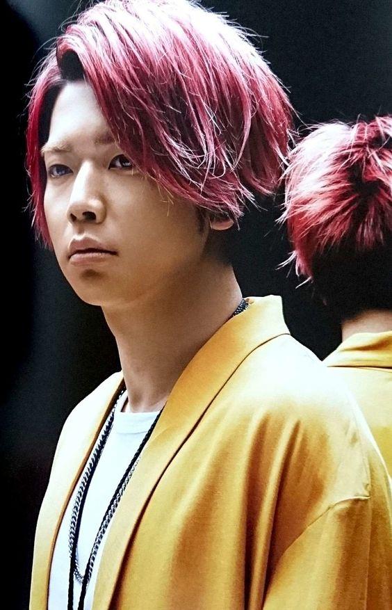 増田貴久のピンク髪