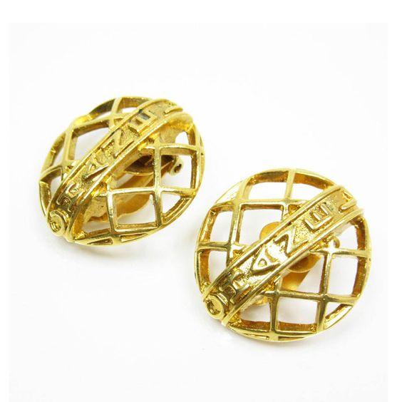 Chanel Metal Gold Earring