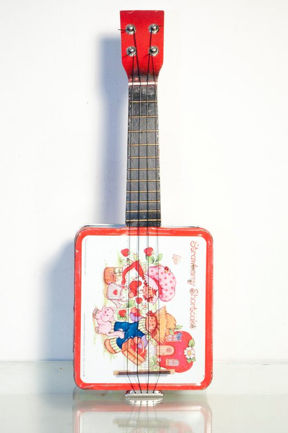 https://www.etsy.com/listing/184570559/vintage-ukulele-strawberry-shortcake?ref=sr_gallery_21&ga_search_query=strawberry+shortcake&ga_order=date_desc&ga_page=4&ga_search_type=all&ga_view_type=gallery
