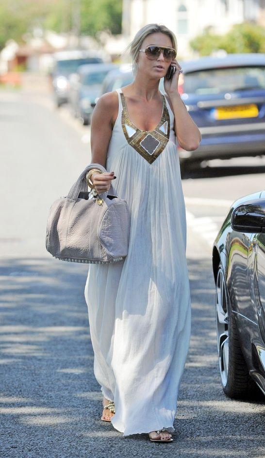 Long dress.: