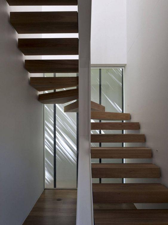 Mittelholmtreppe Design Holzstufen Metall Geländer 33rd Street House