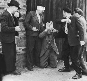 Tras la guerra se desató la barbarie  - Keith Lowe escarba en el caos que reinó en Europa al final de la Segunda Guerra Mundial  - Su libro 'Continente salvaje' desmonta numerosas historias oficiales