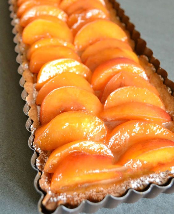 Apricot tart, Tarts and Almonds on Pinterest