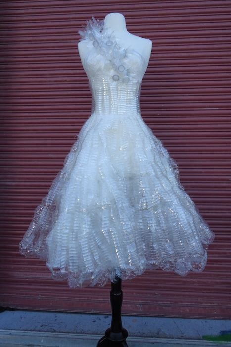 This a 120 plastic water bottle dress made by 2011 high school graduate Jenny Chen ( jenjenchen.tumblr.com ), who is going to fashion school this summer.