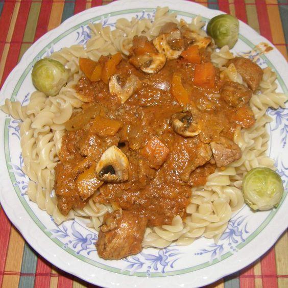 Rezept Gulasch mit Gemüse (m. orig.) RdT 19.03.14 von matschi74 - Rezept der Kategorie Hauptgerichte mit Fleisch