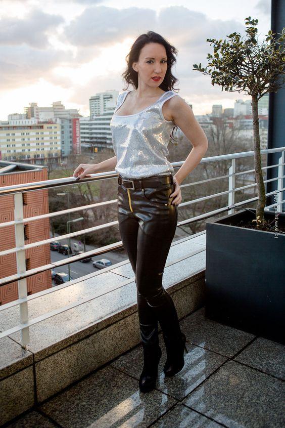 Schwarze Lederhose - Pailettentop - Fashion Blog Berlin - Berlin