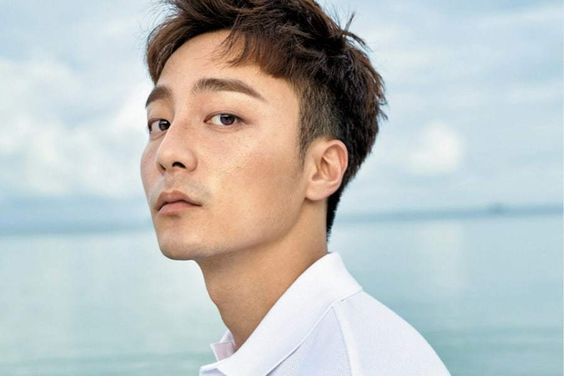 Roy Kim Booked For Charges Of Spreading Illegally Taken Photos