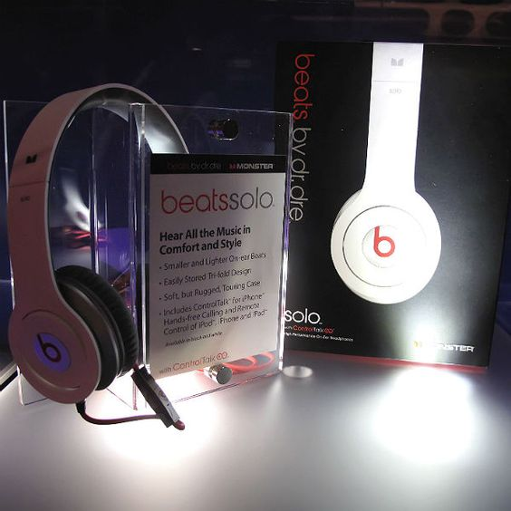 If Dr Dre's Beats range is worth $3bn - why are the reviews so negative? Apple buys headphone range, but feedback is very mixed...  Click the image for more.