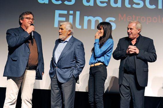 Viel Prominenz hatte sich in diesem Jahr angekündigt. So zum Beispiel Schauspieler Mario Adorf (zweiter von links) und seine Kollegin Fritzi Haberlandt (dritte von links). Foto: Ben Pakalski.