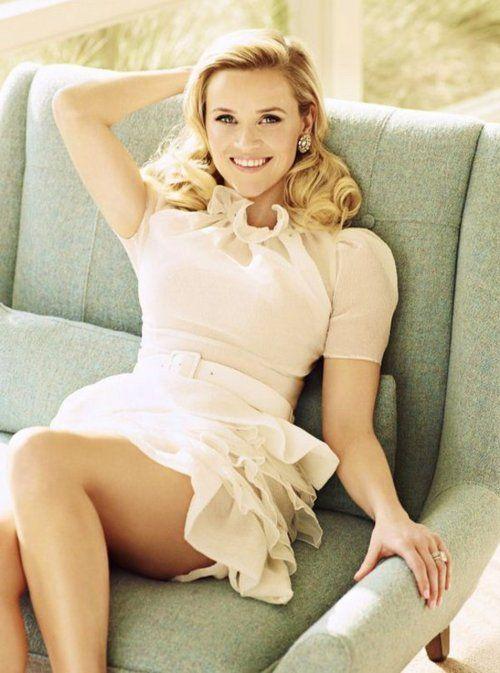 sugar sweet Reese.....love the dress!