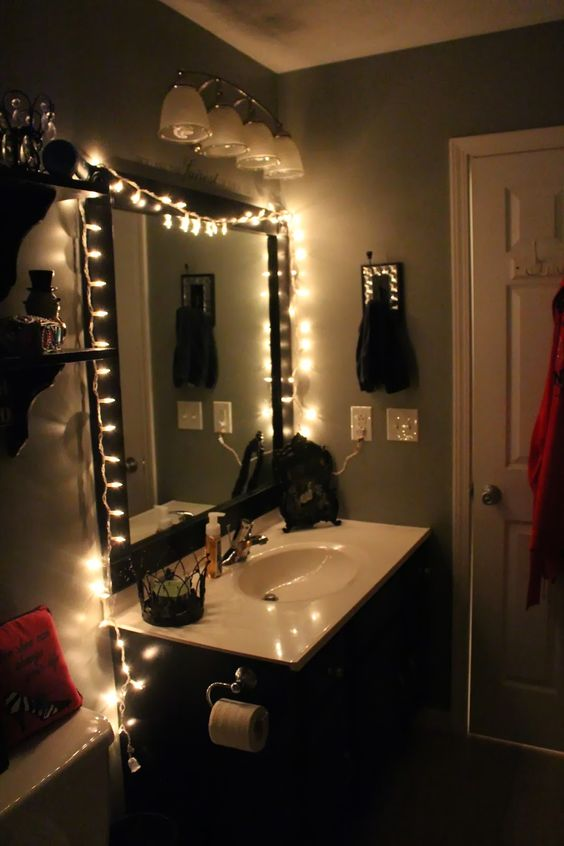 Bathroom Rennovation, black and white, christmas lights, womens, sparkle, sparkles, how to, DIY, redo, rennovate, frame, mirror, cabinet, princess