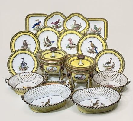 Porcelain delivered to the Comte d'Artois on 6 August 1782 which consisted of 79 pieces at a price of little more than 16.000 livres: