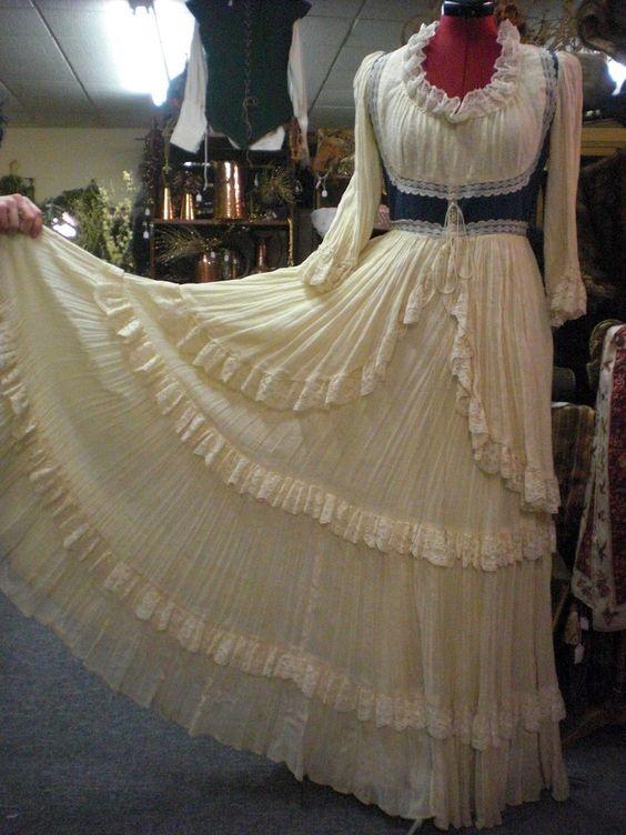 Gunne Sax  Vintage Dress. $120.00, via Etsy.