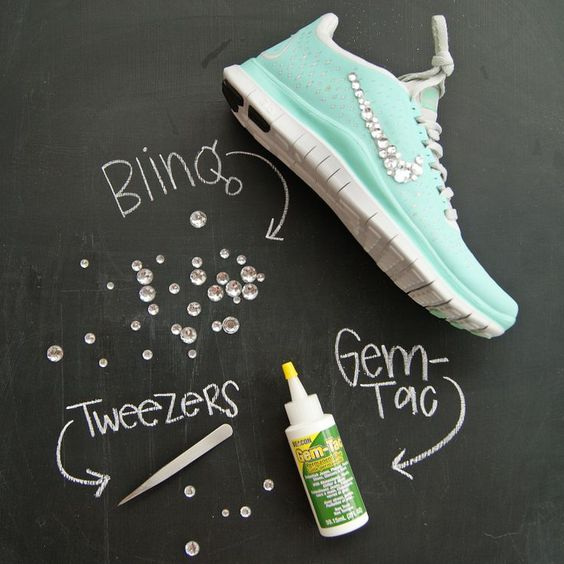 Badazle your shoes with glue Jules and tweezers