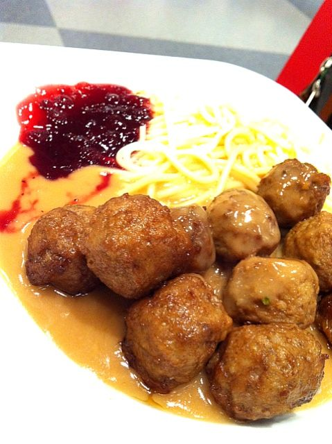At Ikea? - 9件のもぐもぐ - meat ball w cream & Lingoberry sauce by PeonyYan