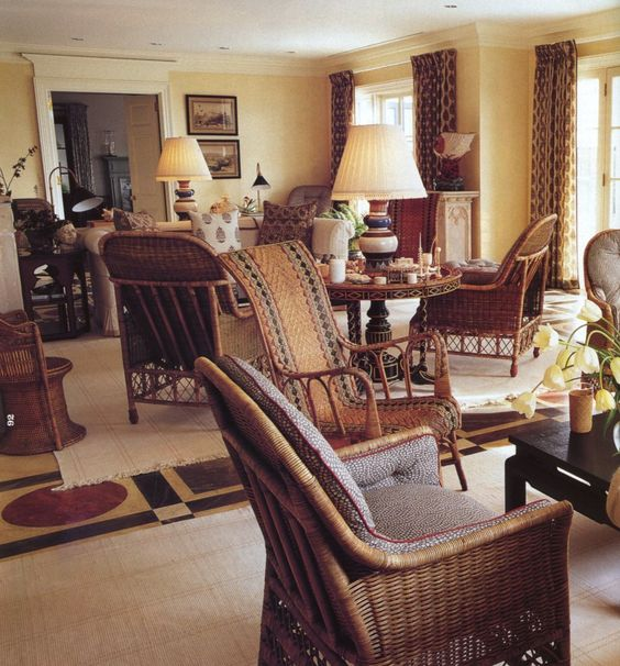 Fantastic family rooms mark d sikes chic people for Mark d sikes living room