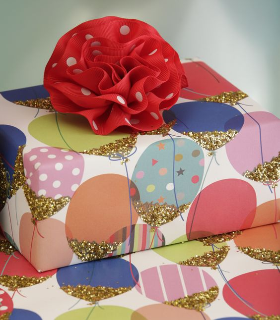 If you choose one ‪#‎birthday‬ ‪#‎wrappingpaper‬ from ‪#‎TheGiftWrapCompany‬ this year, let it be Glittered Balloons. Nothing says ‪#‎HappyBirthday‬ like bright, vibrant patterns with *SPARKLE!* From young to old, this festive wrap fits the bill for all ages. http://tinyurl.com/ju9dqrp (Sponsored)