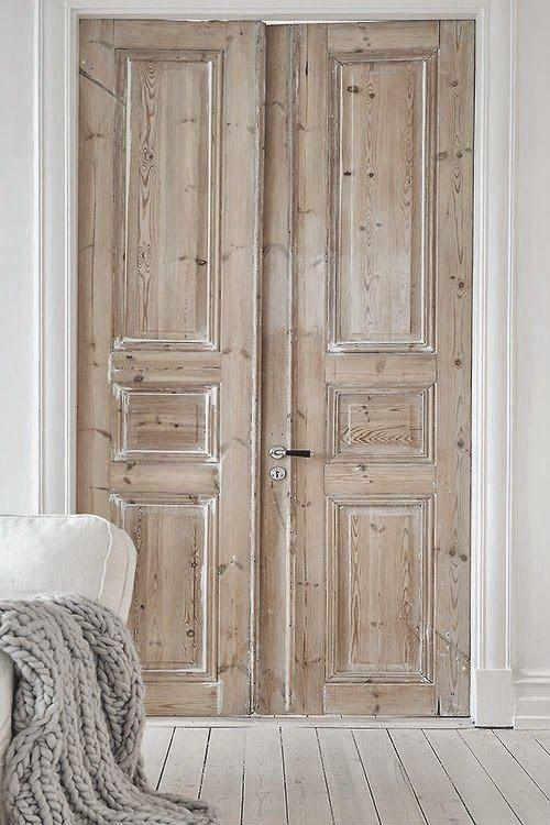 Portes en bois brut (chambre parents)