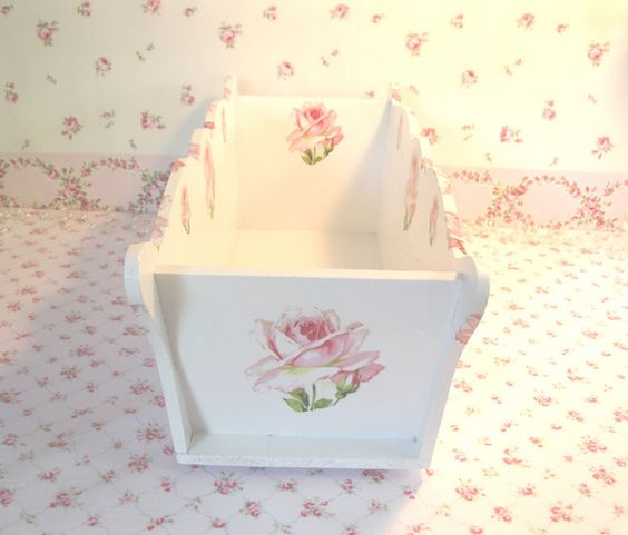Pink Plump Roses Scalloped Wood Box