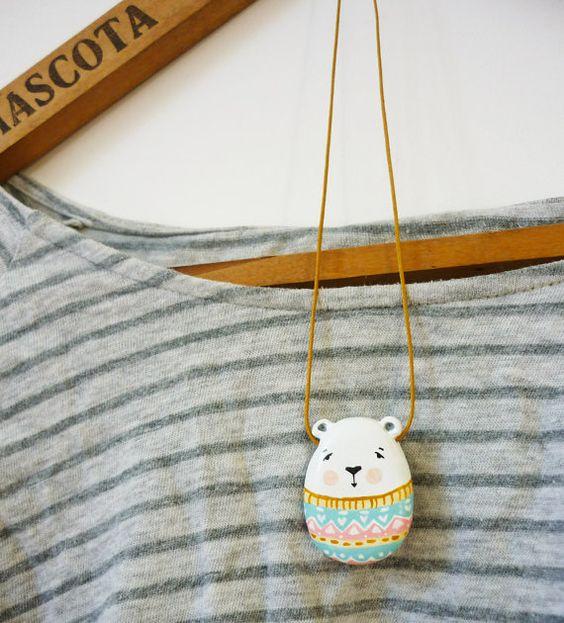 Polar bear necklace  FREE SHIPPING   paper clay por sweetbestiary
