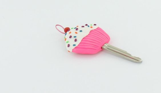 Cupcake Key Topper Tutorial from Sculpey