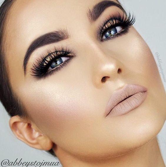 #anastasiabrows @abbeystojmua  #Dipbrow in Medium Brown  LIPS: @ofracosmetics liquid lipstick in Dubai  #anastasiabeverlyhills