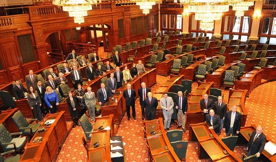 Republican Effort to Stay in Springfield and Avoid Month Long Recess Rejected by Majority Party - http://www.chadhays.net/2016/03/per-house-calendar-set-by-speaker.html