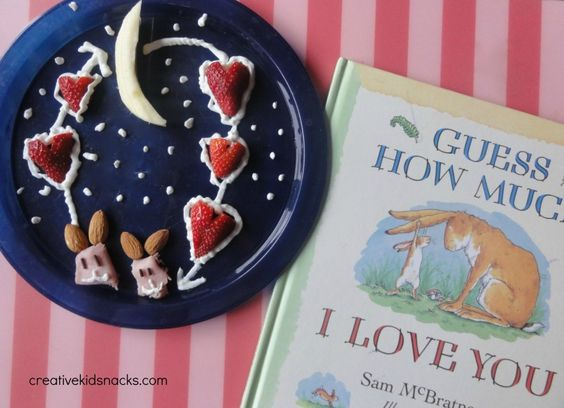 """""""I love you to the moon and back"""" snack from creativekidsnacks.com - perfect to do on Valentines Day!"""