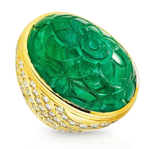 King Jewelers 73.94ct Dome Carved Emerald & Diamond Ring