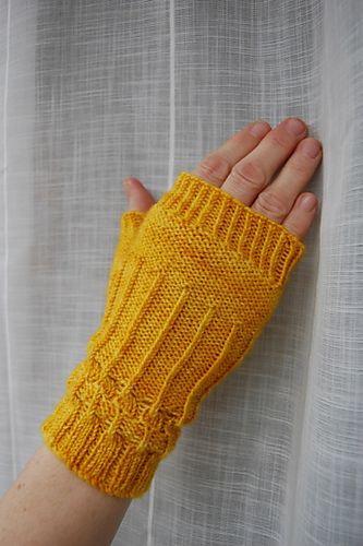 Ravelry: Raymi knitting pattern by Louise Zass-Bangham