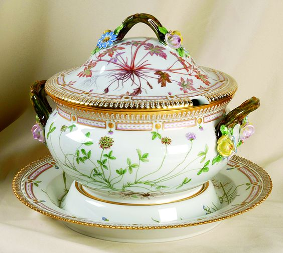 """Flora Danica"" tureen from Royal Copenhagen."
