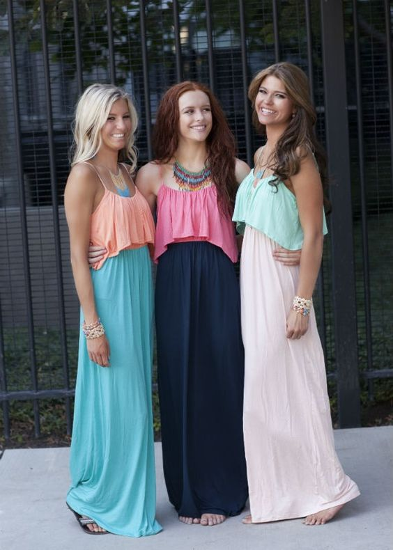 Multicolored maxis. Cute recruitment look for an early round.