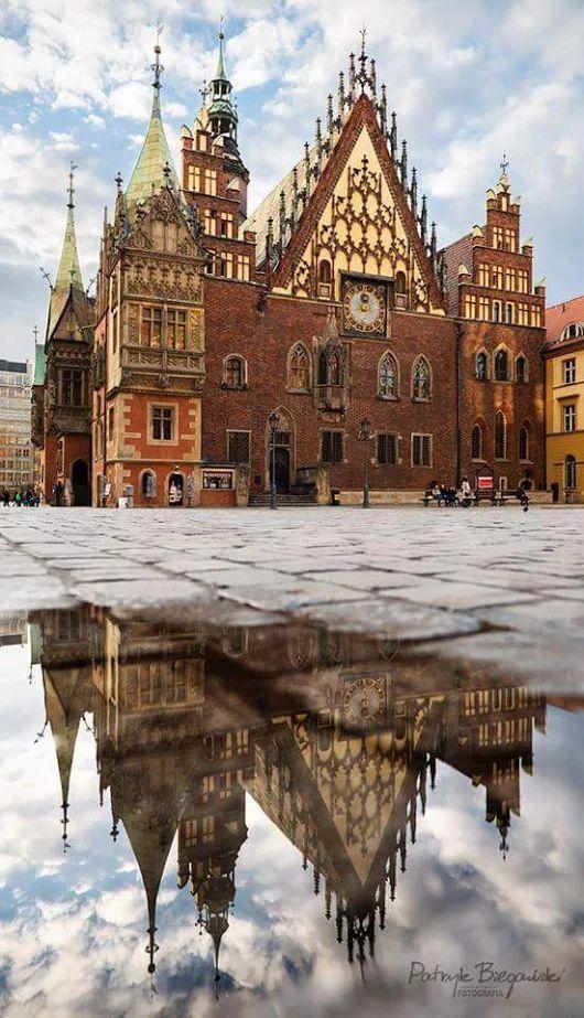 #ratusz #townhall #rynek #oldtown #staremiasto #staryrynek #wroclaw #poland #polska #polonya #bestdestinations #mustseeplaces #traveltips #travel