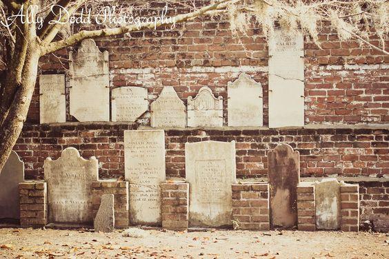 Savannah --- Colonial Park Cemetery --- Ally Dodd Photography