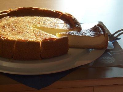 Käsekuchen wie man ihn von zu Hause kennt. Cheesecake like you know him from home.