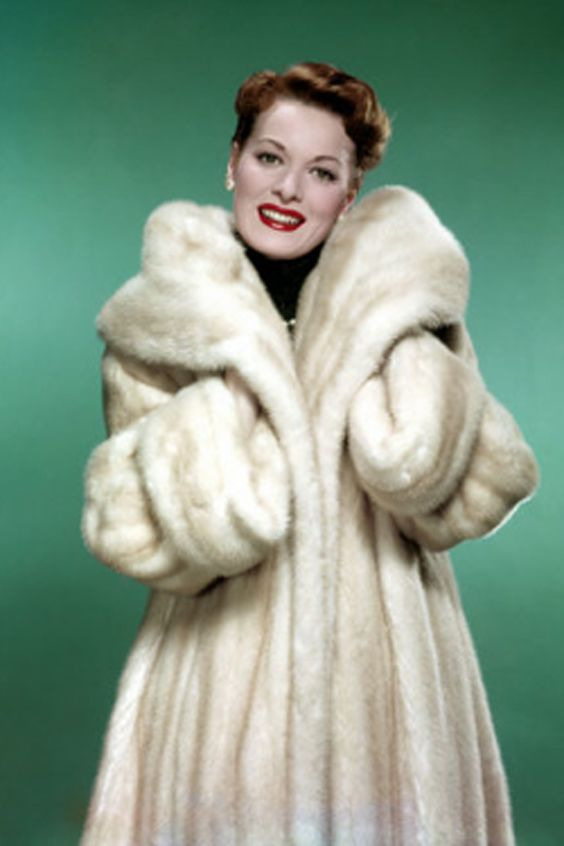 Maureen-I absolutely love this coat!!  If I had that, I would NEVER take it off!!!  I'd even sleep in it!!!