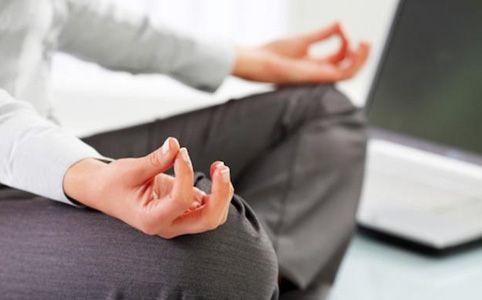 Yoga time in ufficio..!