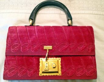 Vintage ROBERTA di CAMERINO HOT Pink Velvet hand bag