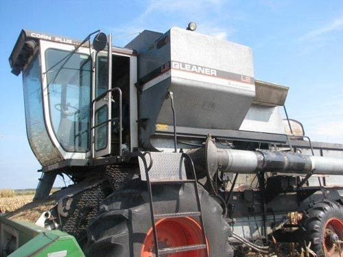 Gleaner L2 combine. This one is salvaged and has been dismantled for used parts. Call 866-609-1260 All States Ag Parts