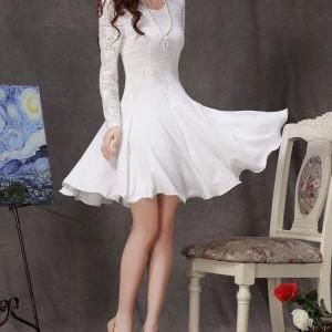 Long Sleeved White Lace Chi..