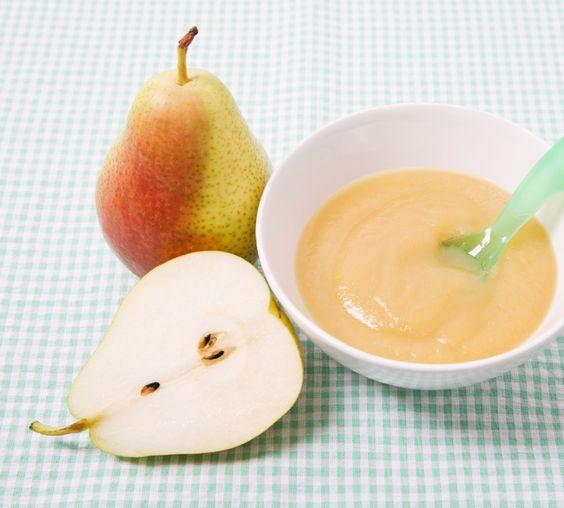Obstpüree oder Obstmus schmeckt den meisten Babys richtig gut. Selbstgemacht kann es für den Nachmittagsbrei mit Getreide gemischt werden oder zwischendurch auch pur genossen werden. Obstbrei steckt voller Vitamine und legt damit einen wertvollen Grundstein für die gesunde Kinderernährung. http://www.fuersie.de/baby/artikel/obstbrei-selber-machen-anleitung-und-rezept