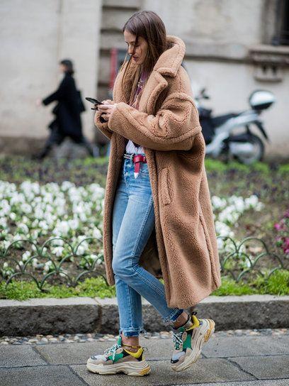 【ELLE】カルロッタ・オッディ(Carlotta Oddi)|【随時更新】カラフルな春コーデの参考に! 2018秋冬ミラノコレクションスナップ|エル・オンライン maxmara brown coat 2020 cute fall outfit ideas | soyvirgo.com