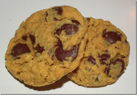Peanut Butter Oatmeal Chocolate Chunk Cookies--with whole wheat flour!