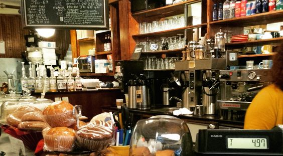 Explore downtown Charleston, SC and you will discover all the shopping and restaurants on King Street and City Lights Coffee on Market Street. #blig #truestory