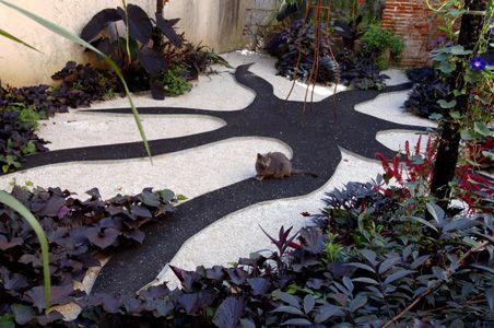 Le jardin de la sorci re et du dragon rue du ch teau du roi cahors ce jardin clos est - Jardin du clos des blancs manteaux ...