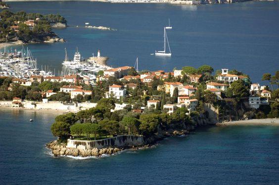 Auf der Halbinsel Cap-Ferrat liegen die Luxusanwesen eng beieinander