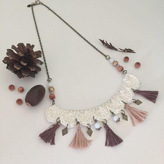 Automne ethnique . #nouveauté #collier  #crochet #pompon #chocolat #caféaulait #crême #création #lapetitefleur #alittlemarket