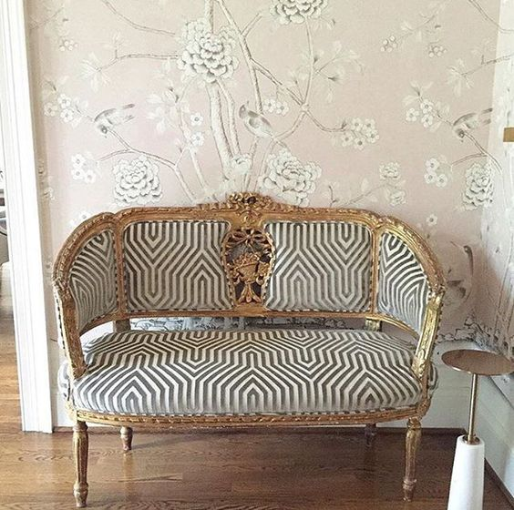 Blush pink and hushed grey wallpaper with beautiful gilded vintage settee. Rachel Halvorson Inspired Decorating Tips. #blushpink #wallpaper #settee #romanticdecor #entry